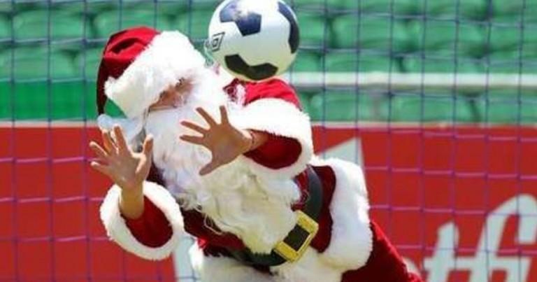 Papa Noel se adelanta y pasa por Vallecas
